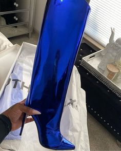 """Fashion Bomb Daily on Instagram: """"Vibrant blue @alexandrevauthier boots with high mirror shine and a $850 price tag. Unfortunately in most places online they have sold out,…"""" Sneakers Fashion, Fashion Shoes, Shoes Sneakers, Shoes Heels, Trendy Shoes, Cute Shoes, Me Too Shoes, Bodak Yellow, Shoe Game"""