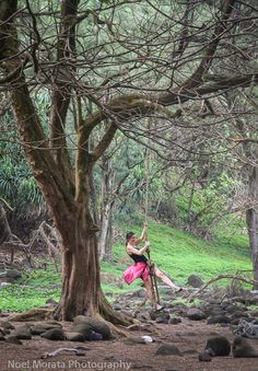 A visit and hike to Polulu Valley on the Big Island. The west coastline is rugged with a few quaint towns and Polulu Valley is the end of the road with scenic panoramas of the cliffs and Valleys below. For the adventurous there is a gorgeous black sand beach and fun places to explore below http://travelphotodiscovery.com/a-visit-to-polulu-valley-in-hawaii-travel-photo-mondays-31/