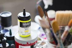 Intense pigmentation, a fast dry time, smooth feel and great color transitions - you can get great color blends with Acrylic Gouache. Spray Painting, Fabric Painting, Painting On Wood, Color Blending, Color Mixing, Pigment Coloring, Hue Color, Liquitex, Acrylic Sheets