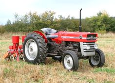 Massey Ferguson 135, my favourite tractor.