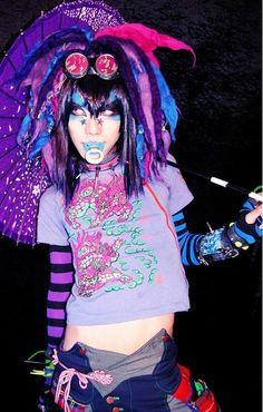 cyber cyberpop cybergoth cyberpunk rave raver dj sisen goggles neon pink purple blue makeup japan japanese