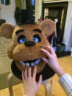 Five nights at Freddy's - A Freddy mask! My reaction: :oo