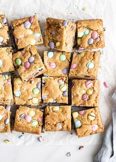 Easter Candy Blondies Desserts With Chocolate Chips, Chocolate Bark, Funnel Cakes, Sorbet, Biscotti, Mousse, Dessert Crepes, E Claire, Pastel Candy