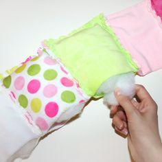 Sew patchwork quilt: Rag Puff Quilt sewing instructions - Sewing a patchwork blanket: Rag Puff Quilt Sewing Instructions – Step - Bubble Quilt, Baby Rag Quilts, Patchwork Blanket, Patchwork Quilting, Blanket Crochet, Sewing Pillows, Diy Pillows, Manta Quilt, Puffy Quilt