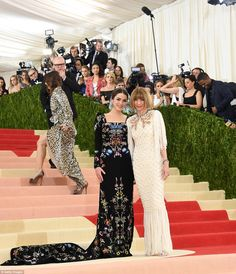 Anna Wintour and daughter Bee Shaffer fashion at the Met Gala