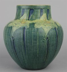 NEWCOMB COLLEGE POTTERY VASE BY ANNA FRANCES SIMPSON