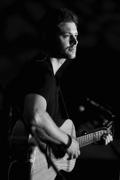 "acklesjensen: ""Perfection on Stage ↳ Jensen Ackles - VanCon 2015 (x) """
