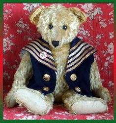 """Fabulous 24"""" Steiff bear dating c1908 with FF button in ear and a non-working tilt growler."""