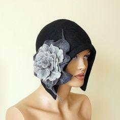 Schwarzen Hut Felted Hut mit Brosche Filz Hut 20er von ZiemskaArt