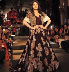 Aishwarya Rai Bachchan walked the ramp for Manish Malhotra's The Empress Story at India Couture Week 2015/16