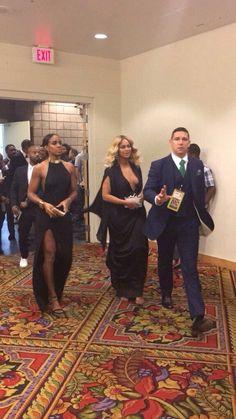 Beyoncé & Kelly Rowland at the Mandalay Bay Events Center on November 21, 2015 in Las Vegas, Nevada – Miiguel Cotto vs Canelo Alvarez fight