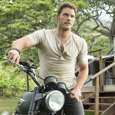 http://chicerman.com  themetropolitano:  Chris Pratt de gordito simpático a nuevo héroe de América  http://ift.tt/1KW9fKB  #menscasual