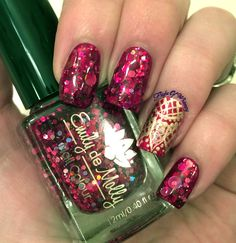 Ugh, another post where I WISH I had my better camera! Ah well, you poor readers will have to suffer through some more indoor iPhone photos (sorry). This mani was me playing around with another new...