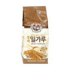 Buy Beksul Korean Wheat Flour online from Asia Market. Best ingredient to make cake, bread and pastries. It is an all-purpose flour. Types Of Flour, Filipino Desserts, Starchy Foods, Bread And Pastries, Rice Flour, Asian, Living Room, Kitchen, Cucina