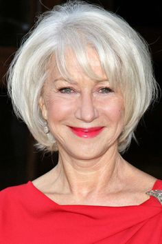 Helen Mirren's chic, youthful makeup look. http://beautyeditor.ca/2014/01/22/foundation-for-wrinkles