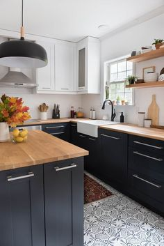 Designing a minimalist kitchen can be the most challenging of all, as you have so many factors considering and not a lot of room