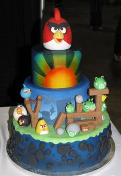 Angry Birds cake The popular Angry Birds game now brought to you in the edible world. Photo by: snarkygurl