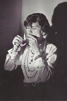 1936........COCO CHANEL............PHOTO DE BORIS LIPNITZKI...............SOURCE FANTOMAS EN CAVALE.TUMBLR.COM..........