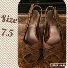 "⚡️SALE⚡️Eurostep Heels These are size 7.5 Eurostep heels. The heel is about 4 inches. Pre loved. The label says they are ""Tarnish Metallic,"" so they are supposed to look rubbed out like they do. Very cute with dresses. Eurostep Shoes Heels"