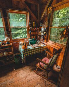 The kitchen nook at Richard's cabin (Washington, Massachusetts) by Huck (@kylefinndempsey)