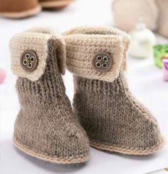 Ugg Boot Pattern Instant Down load Knitting Pattern PDF File Baby Winter Boots Crochet Detail Ugg Style Baby Bootees Booties by Thecutepatternshop on Etsy Baby Knitting Patterns, Christmas Knitting Patterns, Knitting For Kids, Knitting Socks, Baby Patterns, Free Knitting, Knitting Projects, Crocheting Patterns, Knitting Tutorials