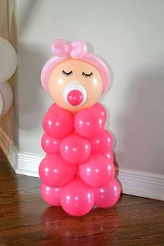 Sweet baby shower decoration idea with balloons. Can change the colors to create… Baby Shower Fun, Baby Shower Balloons, Baby Shower Gender Reveal, Shower Party, Baby Shower Parties, Baby Shower Themes, Baby Boy Shower, Baby Shower Gifts, Baby Gifts