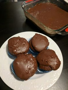 Fudge Cupcakes Fluke Recipe, Hannah Swensen, Canned Butter, Fudge Frosting, Raspberry Syrup, Paper Cupcake, Small Cake, What To Cook, Savoury Dishes