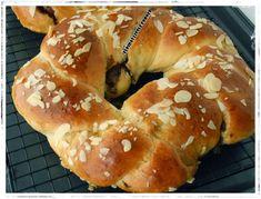 Elpida's Little Corner! Greek Desserts, Greek Recipes, Challa Bread, Greek Cake, Little Corner, Mediterranean Recipes, Bagel, Food To Make, Food And Drink