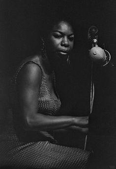 70sbestblackalbums: Nina Simone by Francine Winham.
