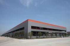 CONSTRUCCIONES METALICAS - TECNICAS METALICAS. CONSTRUCCION DE NAVE INDUSTRIAL METALICA EN ESTRUCTURA METALICA Y CERRAMIENTOS METALICOS PANEL SANDWICH EN CUBIERTA Y FACHADAS. PROCESO DE CONSTRUCCION Y USO DE NAVE INDUSTRIAL DE PRODUCCION.