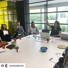 Happy Friday night! I'm reflecting on my week & feeling grateful for the lovelies who attended this morning's LinkedIn Publishing charity event.  #Repost @suzchadwick with @repostapp  Room full for @thinkbespoke LinkedIn publishing morning