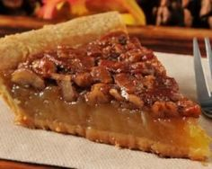 Sweet pumpkin pecan pie: www. Crunchwrap Supreme, Pumpkin Pecan Pie, Pumpkin Pie Recipes, Brunch Recipes, Sweet Recipes, Keto Recipes, Caramel Pecan Pie, Healthy Chocolate, Savoury Cake