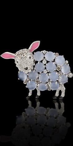 Brooch 11066 ~ Collection: Animal World.  18K white gold, diamonds, black diamonds, diamonds champagne, chalcedony, enamel.