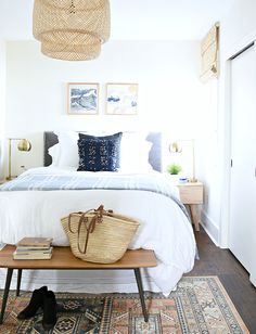 80 Modern Bohemian Bedroom Decor Ideas February Leave a Comment Find the best bohemian bedroom designs. Your bedroom speaks for your identity and lifestyle. And the bedroom decor that will definitely represent everything you are is non Dream Bedroom, Home Bedroom, Bedroom Decor, Bedroom Ideas, Calm Bedroom, Scandi Bedroom, Airy Bedroom, Bedroom Inspo, Bedroom Shelves