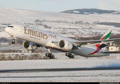 Emirates Boeing 777-31H/ER A6-ECZ departing Glasgow-Abbotsinch, December 2010. (Photo: DJ)