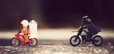 Transformar objetos em personagens das fotografias é a dica de hoje da Nagem. Escolha um dos seus bonecos favoritos e deixe a foto mais interessante e criativa.