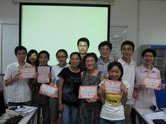 美女帅锅老师们在广州站,好久好久以前的事咯 NGO2.0 teachers at a group photo session in Guangzhou, long long time ago...