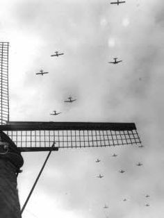 Gliders with paratroopers on their way to Arnhem during Operation Market Garden.