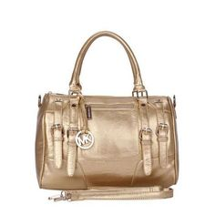Durable And High Quality Michael Kors Grayson Logo Large Gold Satchels Is Your Close Partner! Michael Kors Outlet, Handbags Michael Kors, Fashion Bags, Fashion Accessories, Mens Fashion, Mk Bags, Beautiful Handbags, Handbags On Sale, Mk Handbags