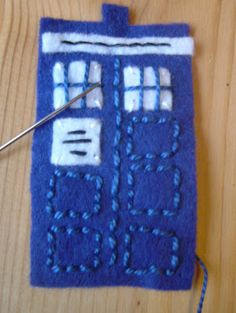 nickety nackety noo: Doctor Who TARDIS finger puppet