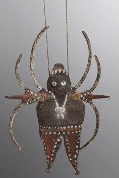 Woven amulet from the Maprik region. Mud and pigment encrusted. - Abelam - Maprik, Papua New Guinea, Sepik River Region