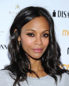 Zoe Saldana taught a lesson in daytime beauty done right at the Moves 2014 Spring Issue Cover Party with her ever-so-soft smoky eye and petal-pink lips.