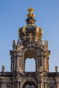 Zwinger Palace - the epitome of Baroque beauty in the world! Zwinger Palace - a photo-story from Dresden, Germany Baroque Architecture, Classical Architecture, Historical Architecture, Ancient Architecture, Beautiful Architecture, Architecture Details, German Architecture, Famous Architecture, Contemporary Architecture