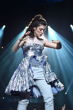 This Is Why Lorde Didn't Sing During Her VMAs Performance