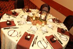 Love the Ivory pintuck and chocolate color napkins