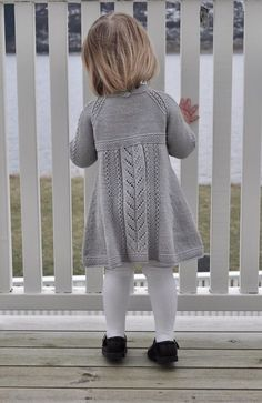 Ravelry: Soria Moria Kjole Pattern By We - Diy Crafts - Qoster Kids Knitting Patterns, Baby Sweater Patterns, Knit Baby Sweaters, Knitting For Kids, Girls Sweaters, Girls Knitted Dress, Knit Baby Dress, Baby Cardigan, Baby Outfits