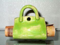 Keramik Handtasche in Grün.