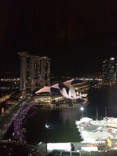 Singapore: beautiful Marina Bay