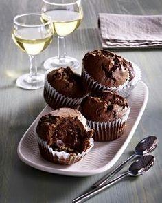 Das Rezept für Mini-Schoko-Muffins mit Nougatkern und Krokant und weitere kostenlose Rezepte auf LECKER.de