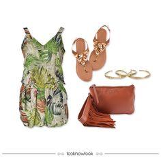 Macaquinho estampado + Sandália rasteira + Bolsa de franjas + Pulseiras douradas #moda #look #outfit #macaquinho #sandália #rasteira #bolsa #franja #pulseira #estratosfera #ellus #vicenza #iorane #ootd #verão #relax #shop #loja #lnl #looknowlook Floral Romper, Rompers, Bags, Fashion, Fringes, Bracelets, Block Prints, Handbags, Moda